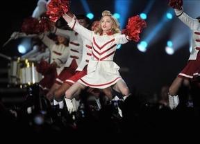 Crucifijos, euskera y aviso a Lady Gaga: la extraña receta del concierto de Madonna en Barcelona