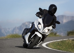 Kymco pone a la venta en España el nuevo 400i ABS