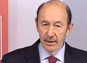 Rubalcaba exige a Rajoy que abandone ya la presidencia del Gobierno: