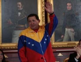 Chávez insta a