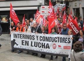 Empleados públicos se manifiestan para pedir el reingreso de interinos cesados en 2012