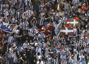 Sonrisas y lágrimas: la Real vence en Riazor, se mete en Champions y desciende a la Real