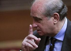 Fernández Díaz mete miedo con los escraches: jueces o periodistas podrían ser los siguientes
