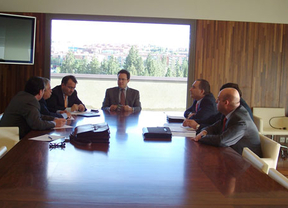 Castilla-La Mancha devolverá el 'céntimo sanitario' a los transportistas que reposten en la región