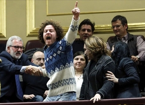 Desalojados los promotores de la legislativa popular contra los desahucios