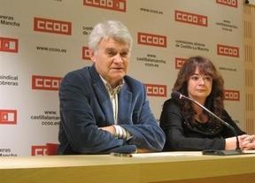 Gil junto a Lola Santillana