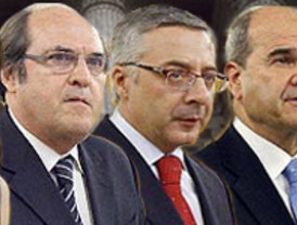 Correa empezará a pagar a afectados de crisis bancaria hace una década