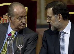 Los 'dos discursos' que culminaron un mal año 2013: el de Rajoy, nada que ver con el del Rey