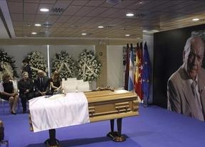 Emotivo adiós con lágrimas al mejor: miles de aficionados se despiden de Di Stéfano en 'su' Bernabéu