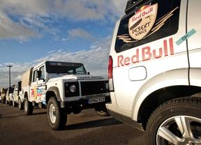 Land Rover será proveedor oficial de vehículos para el equipo Red Bull Wings en la edición 2014 del Rally Dakar