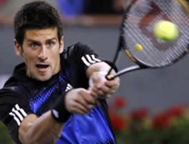 Novak Djokovic e Ivanovic avanzan en el Masters Indian Wells