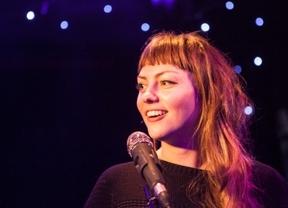 Angel Olsen, un 'coitus interruptus' por culpa de una voz maltrecha