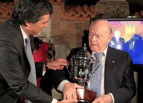 'Millonario' homenaje al mítico Di Stéfano entre su club de origen y el Madrid en el Trofeo Bernabéu