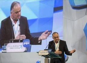 Lanzan un huevo contra González Pons cuando llegaba a la Convención regional del PP de la Comunidad Valenciana