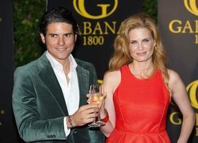 Olivia de Borbón y Julián Porras o la versión Disney de mira qué felices somos