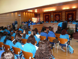 Recepción a los coros de Tafalla y del I.E.S. Cañada de las Eras en el Ayuntamiento de Molina de Segura
