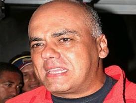 Correa ofrece renunciar si le prueban nexos con las Farc