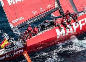 El MAPFRE español lidera el pelotón de la Volvo Ocean Race en la primera etapa, que concluye en Ciudad del Cabo