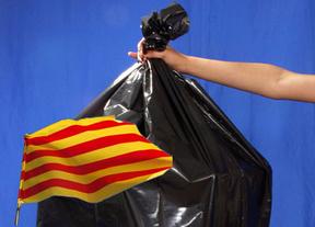 Acoso económico para el independentismo catalán: su deuda podría ser considerada 'bono basura'