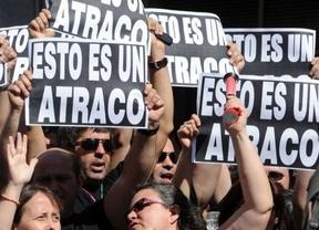 Los funcionarios se hacen fuertes en Madrid; Canarias y Andalucía les 'escuchan'