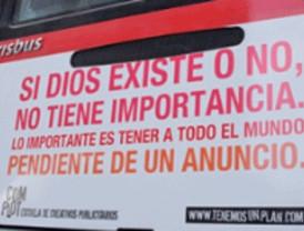 Barcelona, ahora sí, permite a Dios 'subir' a los autobuses