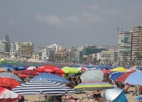 El Gobierno no contempla subir el IVA turístico y prevé un verano