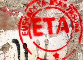 Pintadas a favor de ETA en la simbólica Gernika