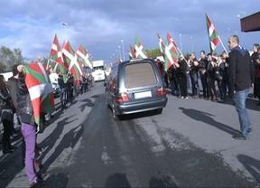 Un dirigente de Sortu, detenido por recibimiento al cuerpo de Thierry, donde se gritó el 'gora ETA'