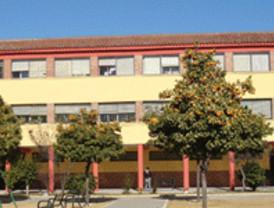 Más de un centenar de centros educativos de la Región participan en el encierro en protesta por la Ley de recortes