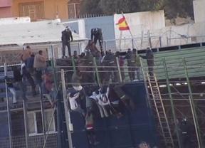Un juzgado de Melilla va a investigar si la Guardia Civil cometió delito al expulsar en caliente a los inmigrantes de la valla