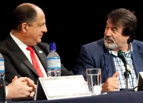 Éxito en Costa Rica del último libro de nuestro colaborador Enrique Gomáriz, que contó con el apoyo del presidente del país