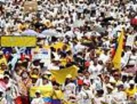 Presidente Correa quema sus últimos cartuchos a favor de consulta