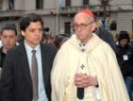 Bergoglio con un Corpus Christi conciliador