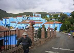 El pueblo 'pitufo' de Málaga se prepara para recibir cientos de turistas