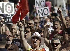 El Consejo de Ministros se reúne con el eco de las protestas de los funcionarios de La Moncloa