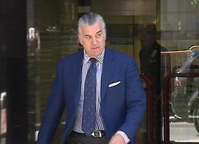 La Policía analizará si los documentos que Bárcenas entregó al juez son o no antiguos