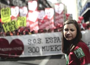 El Gobierno se gana los reproches de los 'provida' por retrasar la reforma del aborto
