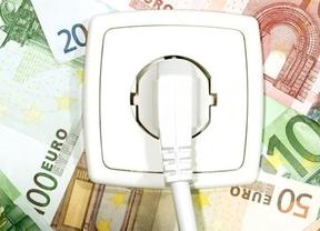Las eléctricas deberán devolver 40 euros a cada consumidor por los precios del 'pool', según OCU