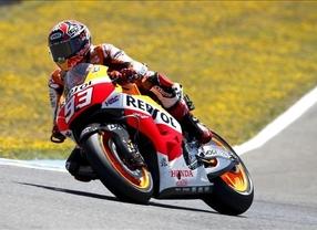Márquez se vuelve a exhibir en Jerez y sigue invicto en el Mundial