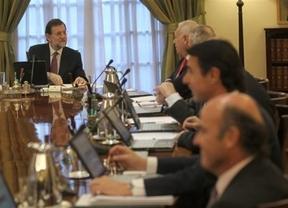 El Consejo de Ministros inicia hoy su ofensiva contra dos amenazas bien distintas: piratería y corrupción