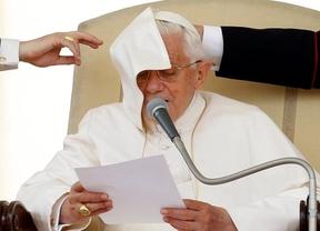 El pasado 'persigue' a Benedicto XVI en la Web