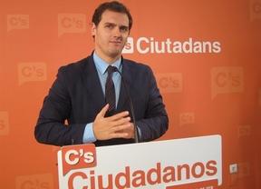 Ciudadanos propone un 'pasaporte por puntos' para inmigrantes dentro de su programa económico