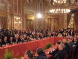 Del Castillo negó participación en negociado de contratos petroleros, respaldado por el Apra