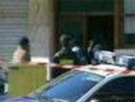 Atacan el domicilio de un ertzaina en Rentería y dos cajeros