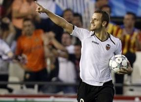 Un penalti infantil del Chelsea salva de la tragedia al Valencia (1-1)