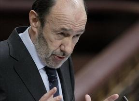 Todos los partidos, enojados con Rajoy, que no da explicaciones en plena histeria económica