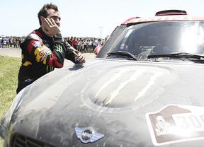 Dakar 2015: Nani Roma se consuela con 'ayudar al equipo' tras 'el duro palo' de su grave avería en la primera etapa