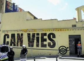 Un grupo de vecinos recauda 90.000 euros para reconstruir Can Vies