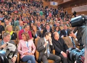 Convención del PP: el marido de Cospedal, sentado en lugar preeminente a pesar de estar siendo investigado por la justicia