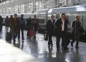 ¿Más brotes verdes?: fuerte aumento de los viajeros en AVE (7,5%) y también en avión y en transporte interurbano